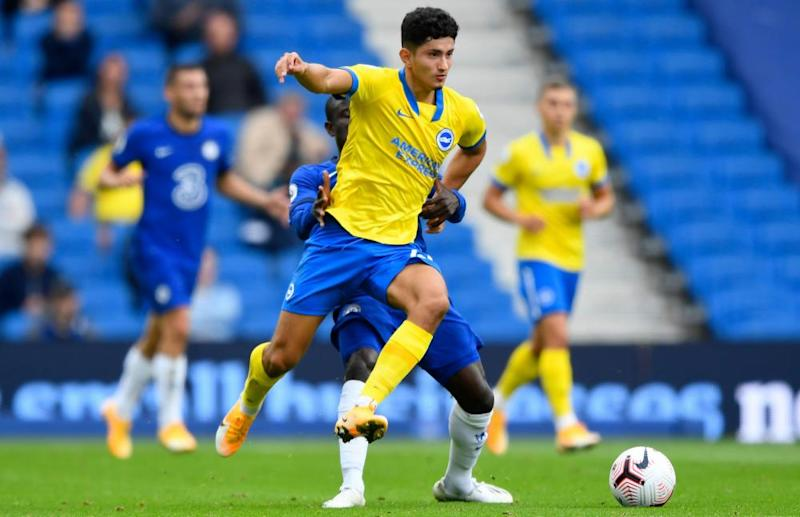 Steven Alzate will have to try to contain compatriot James Rodríguez at Goodison Park.
