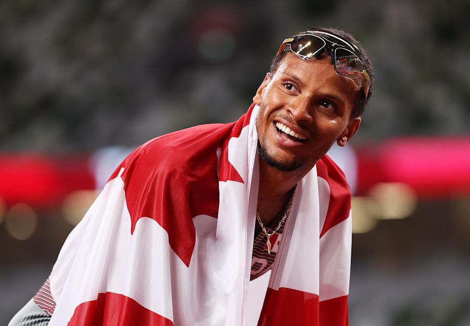 Andre De Grasse of Team Canada celebrates after winning the gold medal (Getty)