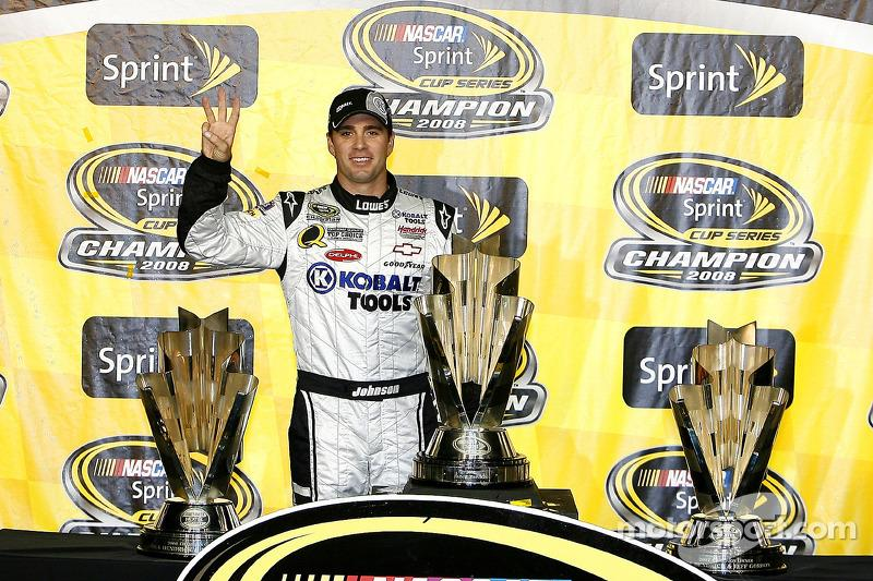 """2008 - Champion over Carl Edwards by 69pts<span class=""""copyright"""">Motorsport.com / ASP Inc.</span>"""