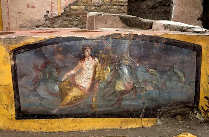 Ancient Pompeii had around 80 such snack counters but the volcanic eruption saw business come to a shuddering halt -- one victim was found with his hand just lifting a pot lid