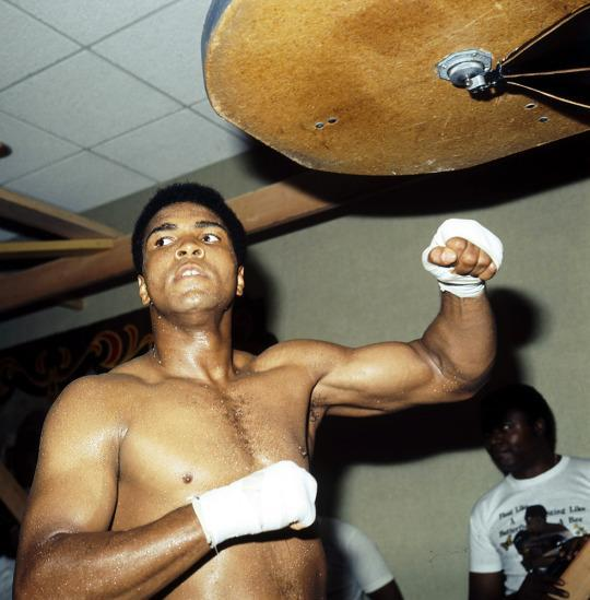 <p>LOS ANGELES – SEPTEMBER 1973: Muhammad Ali trains with the speed bag for his upcoming fight against Ken Norton in Inglewood,California. (Photo by: The Ring Magazine/Getty Images)</p>