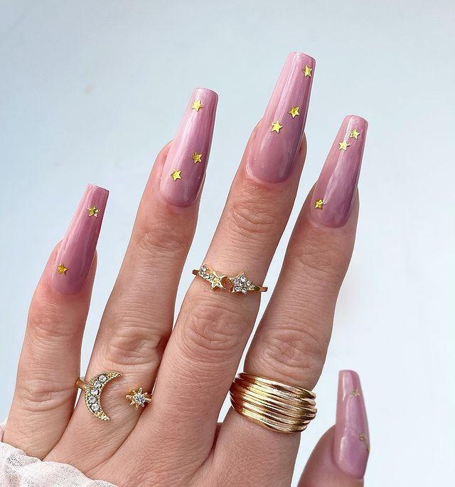 """<p>Top of your pink look with these cute star stickers</p><p><a href=""""https://www.instagram.com/p/CLJY919Mi0C/"""" rel=""""nofollow noopener"""" target=""""_blank"""" data-ylk=""""slk:See the original post on Instagram"""" class=""""link rapid-noclick-resp"""">See the original post on Instagram</a></p>"""