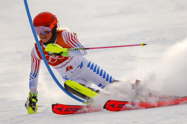 Mikaela Shiffrin skis during the first run of the women's slalom at the 2018 Winter Olympics in PyeongChang, South Korea. (AP)