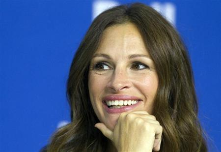 "Actress Julia Roberts attends a news conference for the film ""August: Osage County"" at the 38th Toronto International Film Festival"