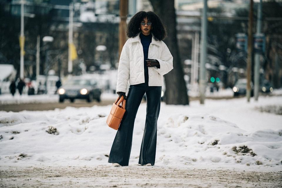 <p>Double up on puffers – your puffer coat will look great teamed up with a quilted puff tote bag.</p>