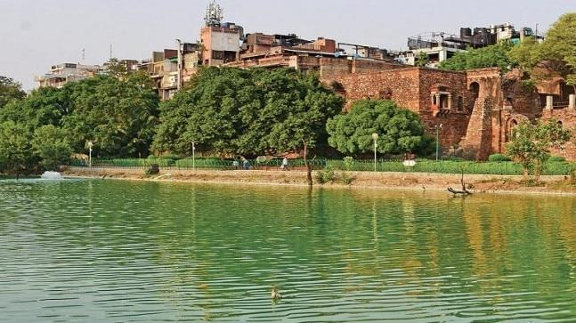 Now showers a cool breeze to the utter amazement of the visitors who have seen the lake dying over the years due to encroachment and sewage dumping.