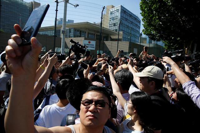 <p>Journalists are seen outside the U.S. Embassy in Beijing, China, July 26, 2018. (Photo: Thomas Peter/Reuters) </p>