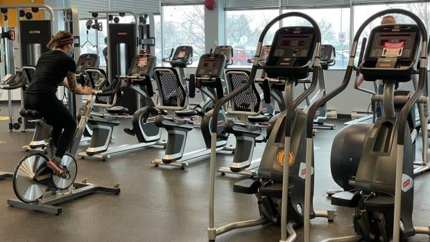 An Éconofitness gym in Gatineau, Que., on Feb. 22, 2021, the day the region entered the province's orange zone. That let gyms and restaurants welcome people back inside, with restrictions.
