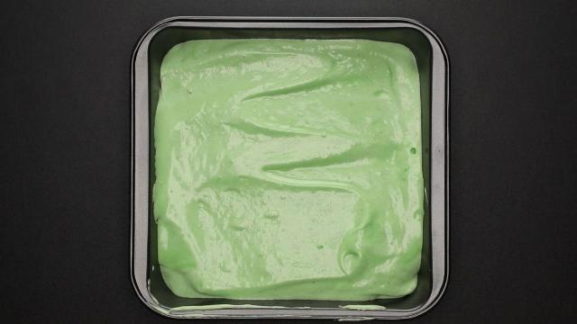 sponge cake recipe green mixture in pan