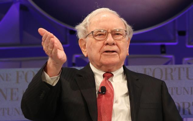 Raise a Toast to Buffett's 90th Birthday With These 2 Stocks