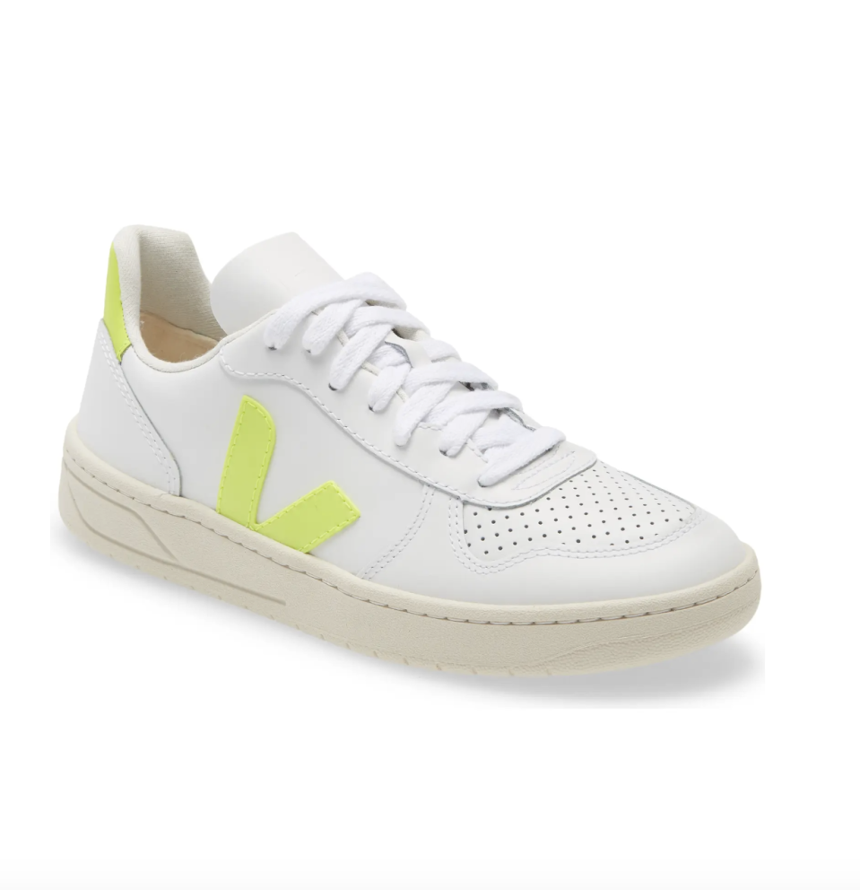 "<p><strong>VEJA</strong></p><p>nordstrom.com</p><p><strong>$150.00</strong></p><p><a href=""https://go.redirectingat.com?id=74968X1596630&url=https%3A%2F%2Fwww.nordstrom.com%2Fs%2Fveja-v-10-sneaker-unisex%2F5081553&sref=https%3A%2F%2Fwww.cosmopolitan.com%2Fstyle-beauty%2Ffashion%2Fg35928852%2Fsustainable-shoe-companies%2F"" rel=""nofollow noopener"" target=""_blank"" data-ylk=""slk:Shop Now"" class=""link rapid-noclick-resp"">Shop Now</a></p><p>Veja uses fair trade and raw materials to ensure it's not only environmentally conscious, but also ethical in its practices. The label is also a B Corp, and it carries out chemical testing so that there are no hazardous materials used in the production process. </p>"