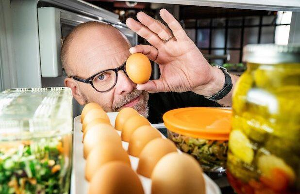 Alton Brown Sets 'Good Eats' Halloween Special at Food Network