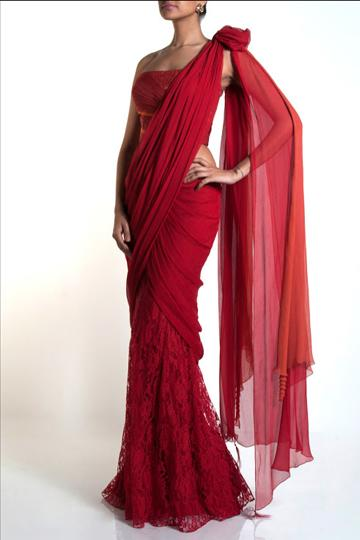 Get romantic in this red Tarun Tahiliani lace sari
