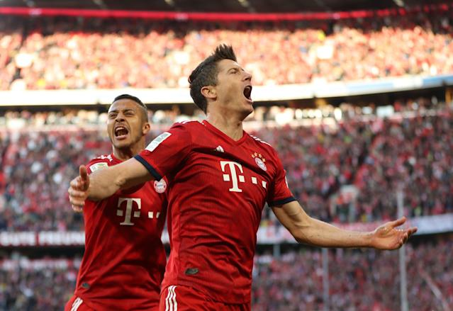 "Bayern Munich may only be one point ahead of <a class=""link rapid-noclick-resp"" href=""/soccer/teams/borussia-dortmund/"" data-ylk=""slk:Borussia Dortmund"">Borussia Dortmund</a> in the Bundesliga now, but it sure felt like the gap was bigger on Saturday. (Getty)"