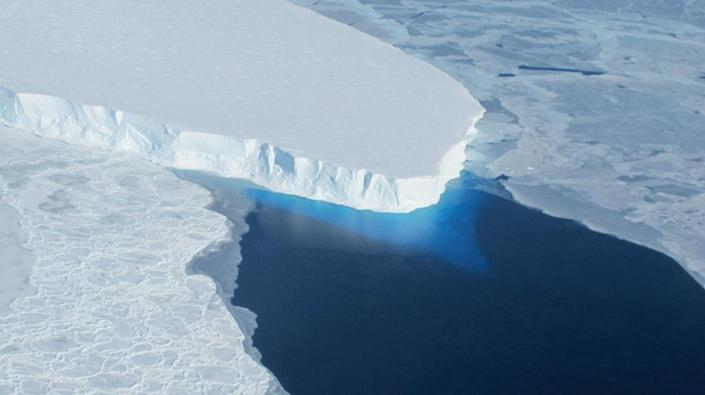 This NASA picture shows part of the Thwaites glacier, in Antarctica, which is the size of Britain (AFP Photo/HANDOUT)