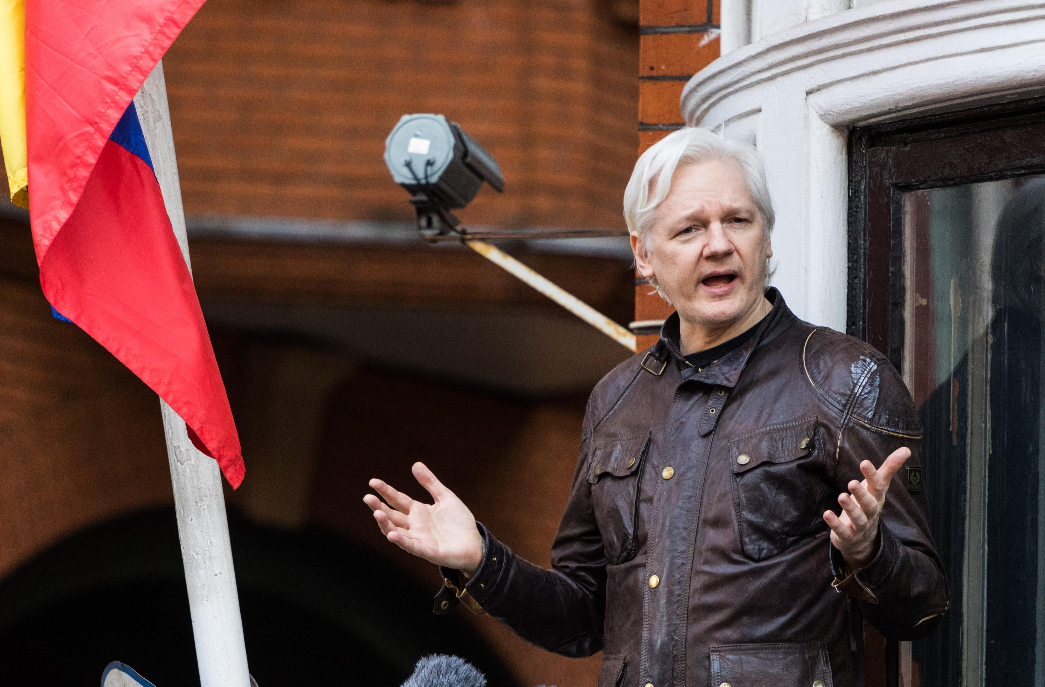 LONDON, UNITED KINGDOM - MAY 19: Wikileaks Founder Julian Assange addresses the media at the Ecuadorian Embassy where he has been exiled under political asylum, following Sweden's dropping of rape charges against him on May 19, 2017 in London, England. He had feared that the charges were being used as a ploy to get him extradited to the United States where he faces charges of breaching national security. PHOTOGRAPH BY Paul Davey / Barcroft Images London-T:+44 207 033 1031 E:hello@barcroftmedia.com - New York-T:+1 212 796 2458 E:hello@barcroftusa.com - New Delhi-T:+91 11 4053 2429 E:hello@barcroftindia.com www.barcroftimages.com (Photo credit should read Paul Davey / Barcroft Media via Getty Images / Barcroft Media via Getty Images)
