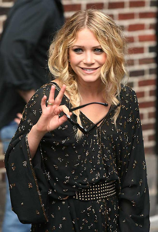 "Mary-Kate Olsen flashed a rare smile at a taping of ""The Late Show With David Letterman."" The actress revealed that Spencer Pratt of ""The Hills"" used to walk off the field of their high school soccer games due to his bad temper. Jennifer Mitchell/<a href=""http://www.splashnewsonline.com"" target=""new"">Splash News</a> - June 26, 2008"