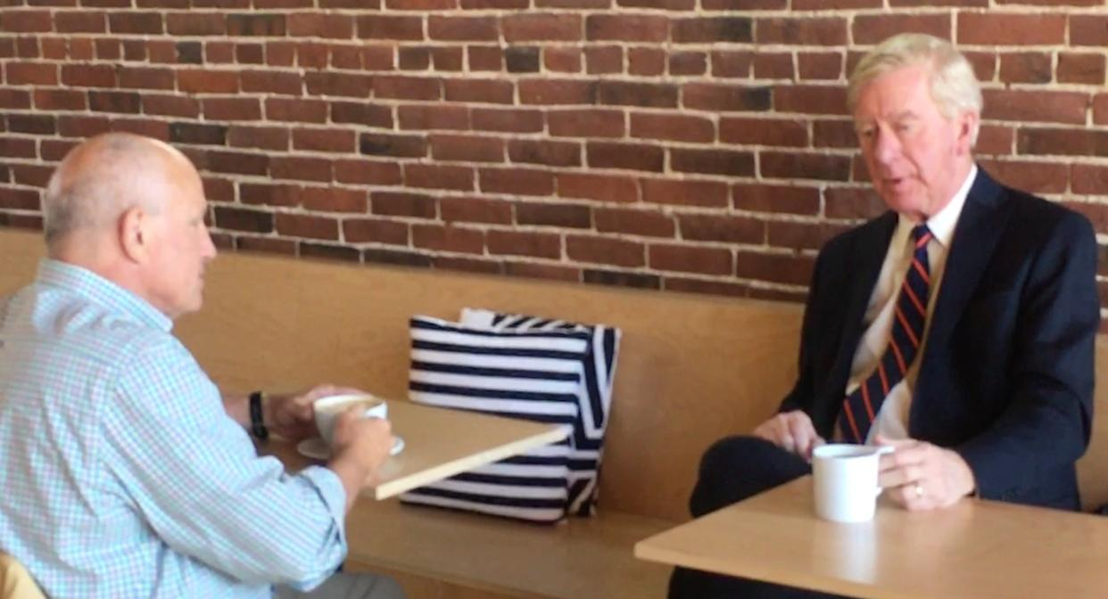 Former Massachusetts Gov. Bill Weld, right, chats Monday about his Republican primary challenge to President Donald Trump over coffee in Concord, New Hampshire. (Photo: S.V. Date/HuffPost)