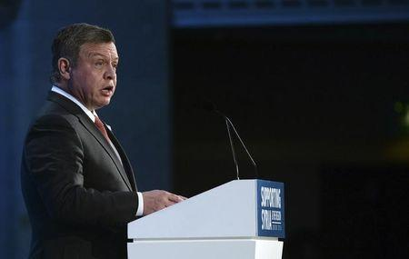 Jordan's King Abdullah speaks at the donors Conference for Syria in London, Britain February 4, 2016. REUTERS/Stefan Rousseau/pool