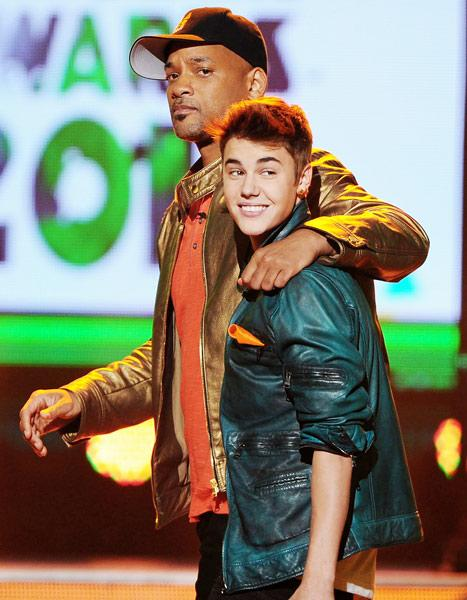 """Justin Bieber: I Talk to Will Smith Weekly, """"Don't Give a F---"""" What Haters Say"""