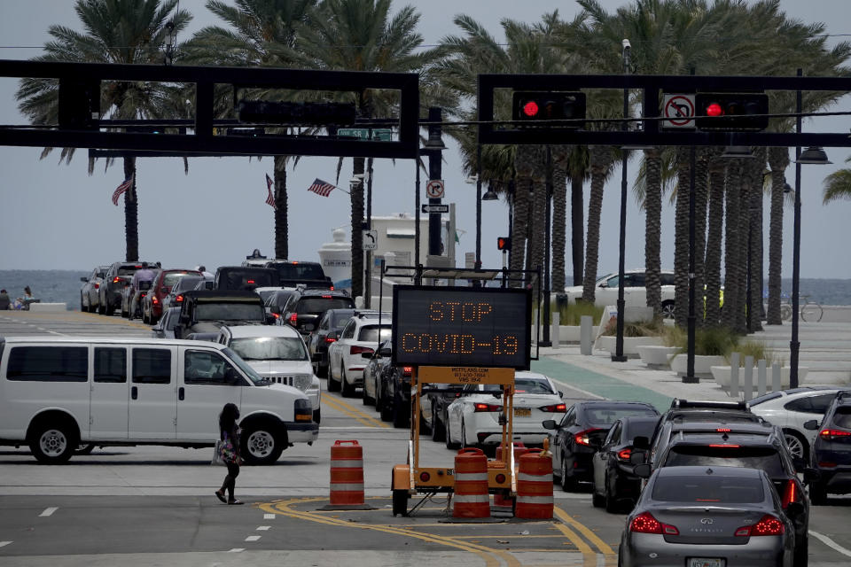 The intersection of A1A and Las Olas is seen Sunday, June 28, 2020. Broward County announced it is joining Miami-Dade County and closing beaches on the July 4 weekend. (Joe Cavaretta /South Florida Sun-Sentinel via AP)