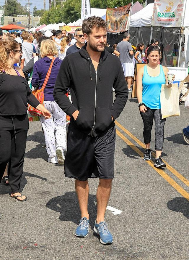 <p>The <i>Affair</i> star had a seriously lazy Sunday at an L.A. farmers' market. (Photo: Bauer-Griffin/GC Images) </p>
