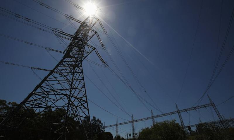 As temperatures soar, the Australian Energy Market Operator issues a lack-of-reserve notice.