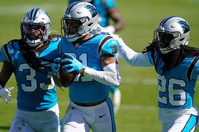Foles, stingy defence lead Bears past Panthers 23-16