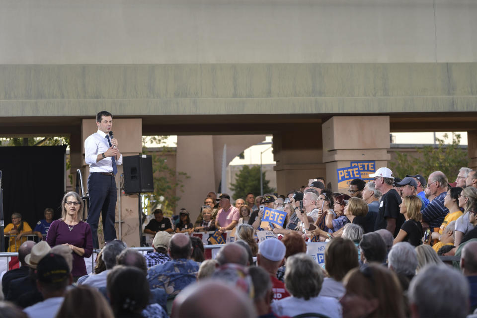 Las Vegas, NV - October 22: Atmosphere Democratic presidential hopeful hosted a rally at the East Las Vegas Community Center in Las Vegas on October 22, 2019. Credit: Damairs Carter/MediaPunch /IPX