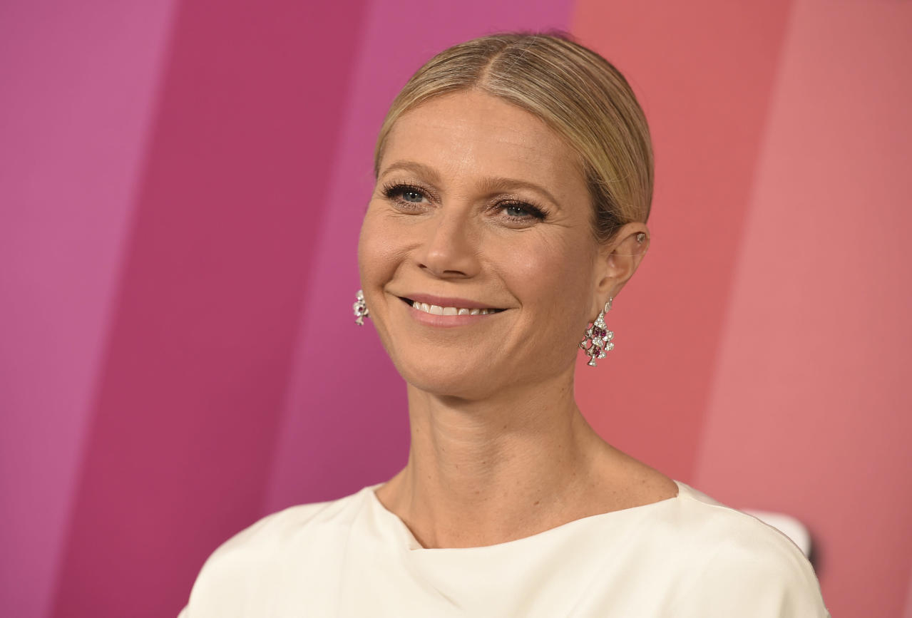 Gwyneth Paltrow & Daughter Apple Are Workout Twins in This Sporty Selfie - Yahoo Lifestyle