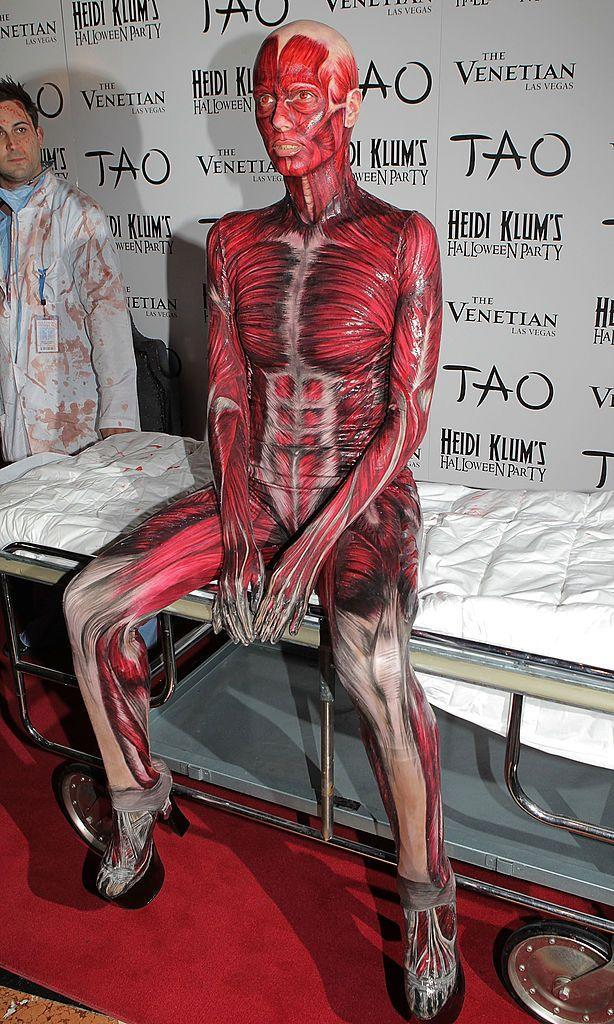 <p>Heidi made a grand entrance to her 2011 party when two men dressed as blood-covered surgeons wheeled her down the red carpet on a gurney.</p>