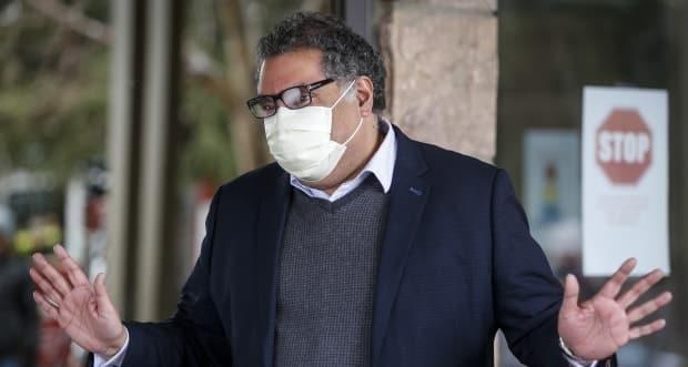 Mayor Naheed Nenshi visits a seniors home in Calgary on April 14, 2020, amid a worldwide COVID-19 pandemic. (Jeff McIntos/Canadian Press - image credit)