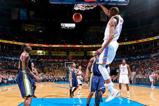 OKLAHOMA CITY, OK - NOVEMBER 30: Kevin Durant #35 of the Oklahoma City Thunder dunks against the Utah Jazz on November 30, 2012 at the Chesapeake Energy Arena in Oklahoma City, Oklahoma. (Photo by Layne Murdoch/NBAE via Getty Images)