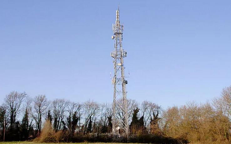 Nearly half a million extra phone masts will be needed for the 5g network - Alamy