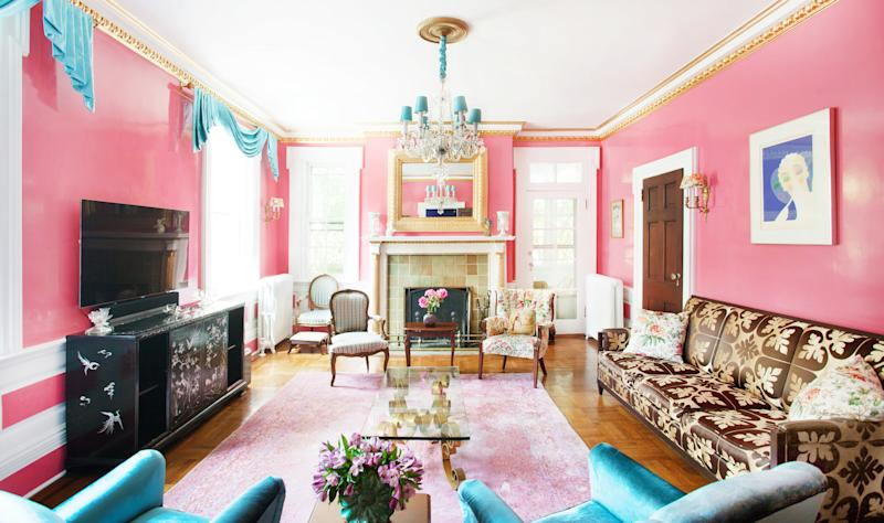 "A <a href=""https://sashabikoff.com/portfolio-posts/garden-state-revival"" target=""_blank"">Garden State Revival</a> room designed by Sasha Bikoff."