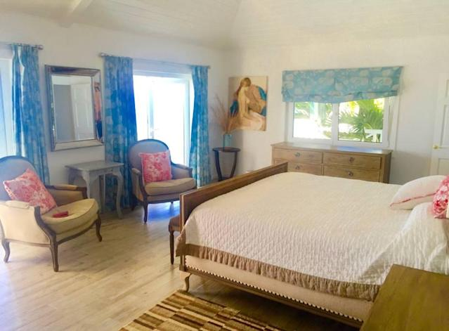 <p>The four bedrooms can easily accommodate eight guests.<br>(Airbnb) </p>