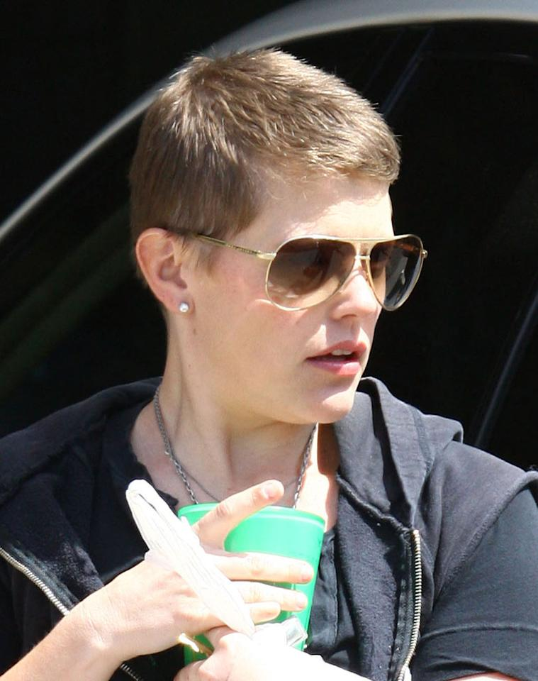 "I adore Natalie Maines and the Dixie Chicks; however, I abhor her new haircut. Seriously, what was she thinking?! <a href=""http://www.ginsburgspalyinc.com/"" target=""new"">GinsburgSpalyInc.com</a> - March 26, 2009"