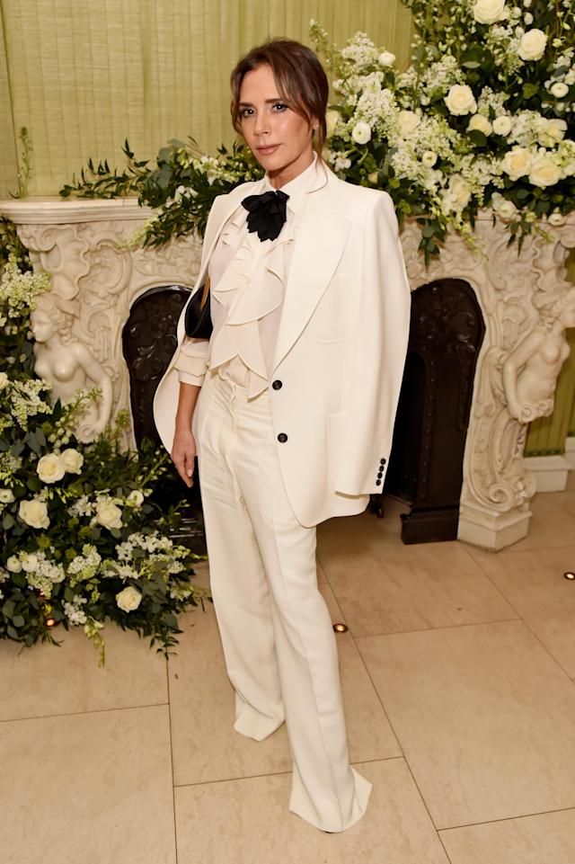 Victoria Beckham swears by Sarah Chapman's 3D Moisture Face Mask, which she uses a number of times a week to moisturise her skin. (Getty Images)