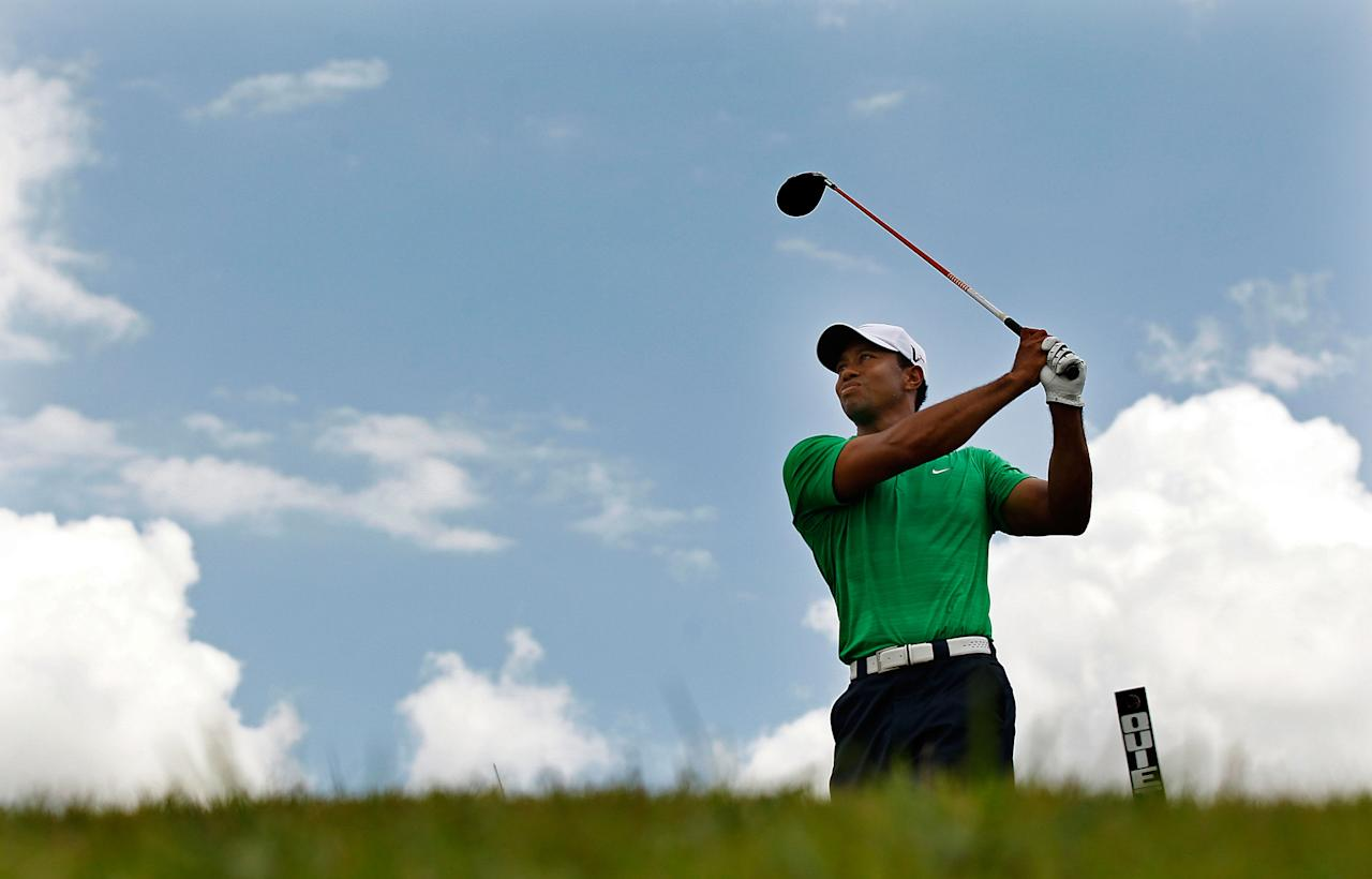 MIAMI, FL - MARCH 10:  Tiger Woods hits his tee shot on the second hole during the third round of the World Golf Championship's Cadillac Championship at Doral Golf Resort And Spa on March 10, 2012 in Miami, Florida.  (Photo by Mike Ehrmann/Getty Images)