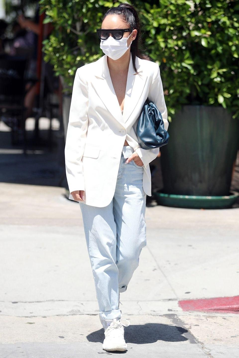 <p>Cara Santana dons an all-white outfit to meet a girlfriend at Urth Caffé in L.A. on Tuesday.</p>