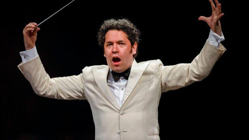 """L.A. Phil artistic director Gustavo Dudamel hosts the new KCET series """"In Concert at the Hollywood Bowl."""" <span class=""""copyright"""">(Jay L. Clendenin / Los Angeles Times)</span>"""