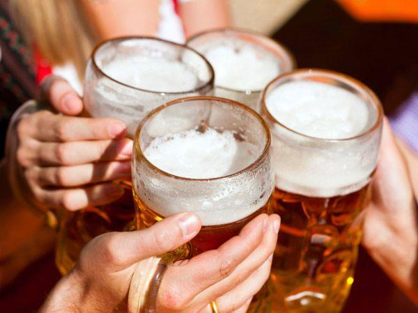 "<p><strong>Image courtesy : iDiva.com</strong></p><p><strong>Mumbai:</strong></p> <p><strong>1) Where:</strong>  The Daily, Bandra<br /><strong>What to look forward to: </strong>A special Oktoberfest menu along with 14 different types of beer that have been introduced to the new menu. Special drinking games like beer pong, flip cup and many others will also be organised and traditional Oktoberfest decor will add to the authenticity. <br /><strong>When:</strong> September 29 to October 10, 2013</p> <p><strong>2) Where:</strong> High Street Phoenix <br /><strong>What to look forward to:</strong> A ""Belly Fest"" that will be Mumbai's first ever large-scale beer gaming festival at the Courtyard, High Street Phoenix.<br /><strong>When:</strong> October 18, 2013</p> <p><strong>3) </strong><strong>Where:</strong> Pondichery Cafe at Sofitel BKC<br /><strong>What to look forward to:</strong> An elaborate brunch with a lavish spread of German delicacies including homemade sausages and a Bavarian food selection.<br /><strong>When:</strong> October 1 to October 10, 2013</p><p><strong>Related Articles - </strong></p><p><a href='https://ec.yimg.com/ec?url=http%3a%2f%2fidiva.com%2fphotogallery-ifood%2ftop-15-snacks-for-beer-buddies%2f22808%26%23x27%3b&t=1503550210&sig=yeOAevGMTFAAMvSCoafQNA--~D target='_blank'>15 Snacks for the Beer Buddies Bonanza Edition</a></p><p><a href='http://idiva.com/photogallery-work-life/how-to-pair-your-drinks-with-the-right-food/8638' target='_blank'>How to Pair Your Drinks With the Right Food</a></p>"