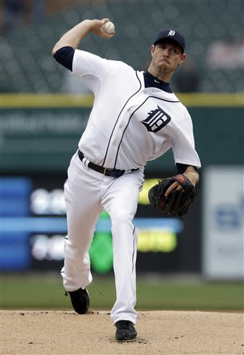 Detroit Tigers pitcher Doug Fister throws against the Toronto Blue Jays in the first inning of a baseball game in Detroit, Thursday April 11, 2013. (AP Photo/Paul Sancya)