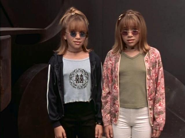 <p>Mary-Kate and Ashley again in 'Billboard Dad'. (Photo: Dulastar Productions) </p>