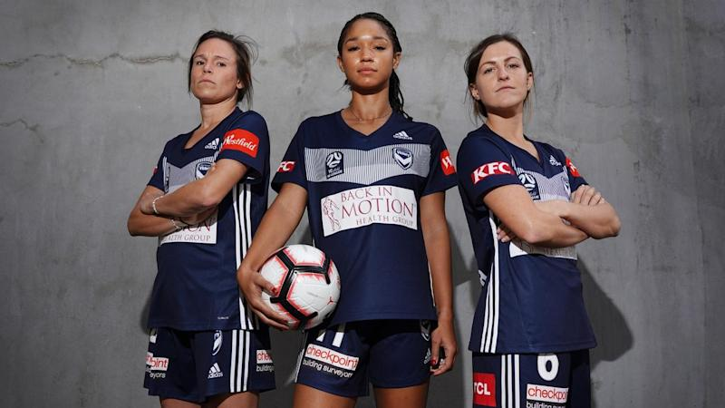 SOCCER ALEAGUE VICTORY SIGNINGS