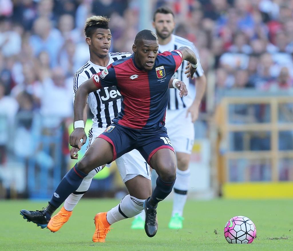 Before joining Celtic on July 12, 2017, French midfielder Olivier Ntcham (C) played for Manchester City and Genoa (AFP Photo/MARCO BERTORELLO)
