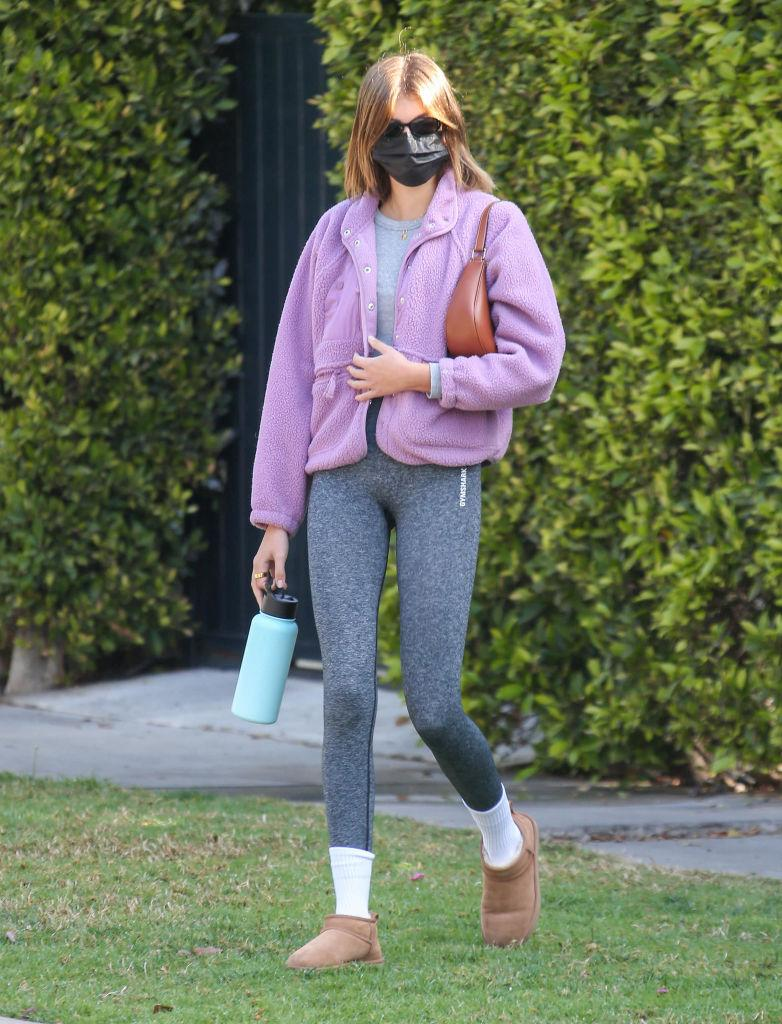 Kaia Gerber wearing the Hit The Slopes Fleece Jacket by Free People  (Image via Getty Images)