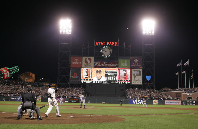 Barry Bonds hits home run No. 756 with Mike Bacsik on the mound. (AP Photo)