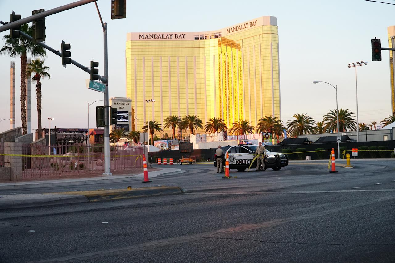 <p>Las Vegas Metropolitan Police near the scene of the recent Las Vegas mass shooting on Oct. 8, 2017, in Vas Vegas, Nev. (Photo: Doug Kranz/Icon Sportswire via Getty Images) </p>