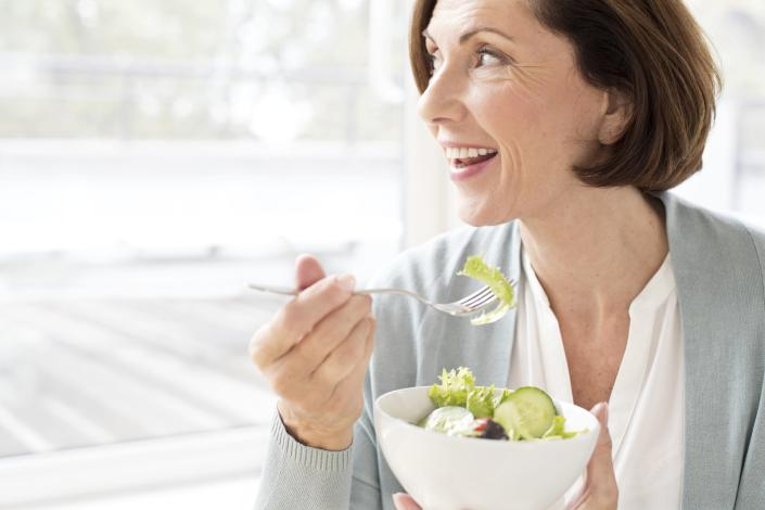 """A healthy diet could guarantee you more """"disease-free years"""". [Photo: Getty]"""